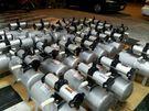 回收廢電池、摩打、變壓器、散熱器、連接器等